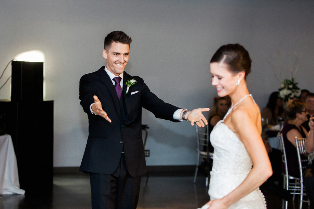 30-muse-event-center-wedding-minneapolis-photographer.jpg