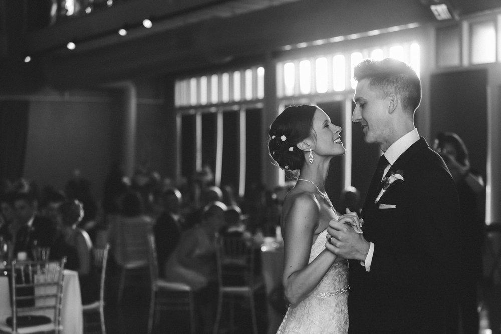 31-muse-event-center-wedding-minneapolis-photographer.jpg