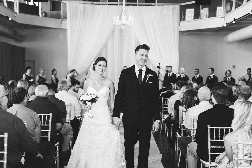 35-muse-event-center-wedding-minneapolis-photographer.jpg