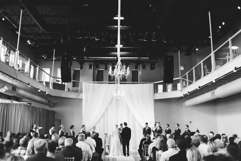 40-muse-event-center-wedding-minneapolis-photographer.jpg
