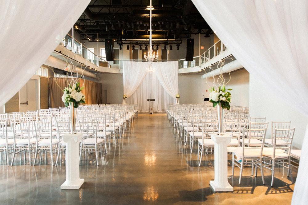 45-muse-event-center-wedding-minneapolis-photographer.jpg