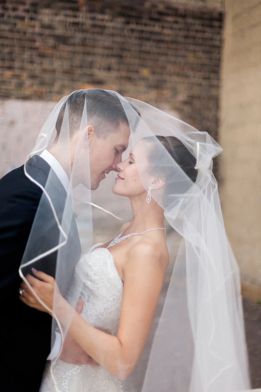 49-muse-event-center-wedding-minneapolis-photographer.jpg