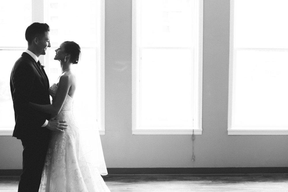 63-muse-event-center-wedding-minneapolis-photographer.jpg