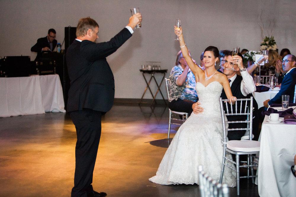17-muse-event-center-wedding-minneapolis-photographer.jpg