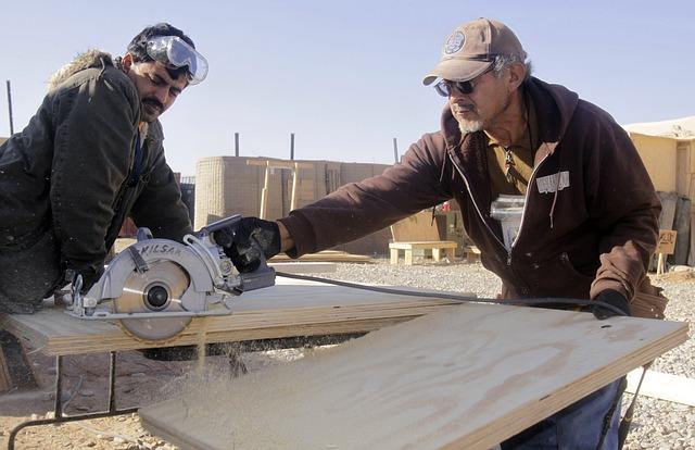 men cutting plywood - P 640.jpg