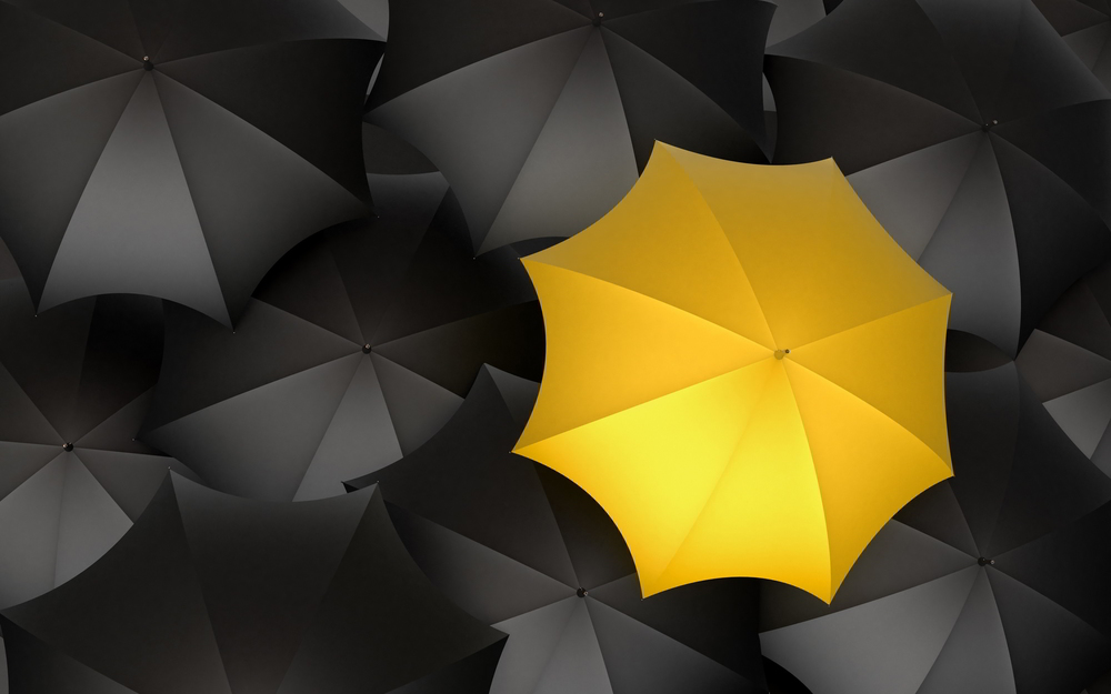 6908958-black-yellow-rainbows.jpg