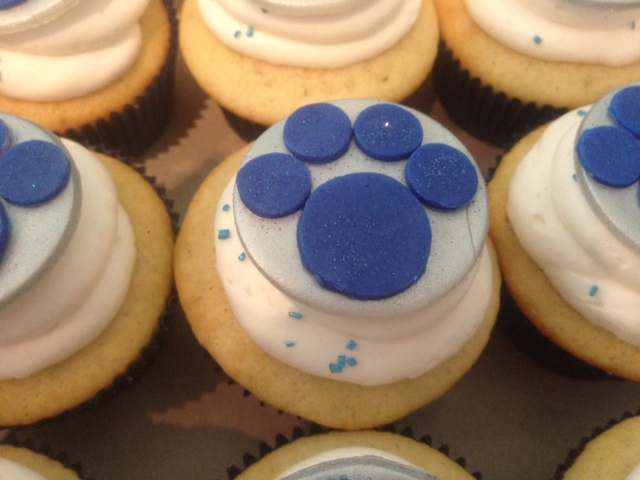 wolf pack cupcakes