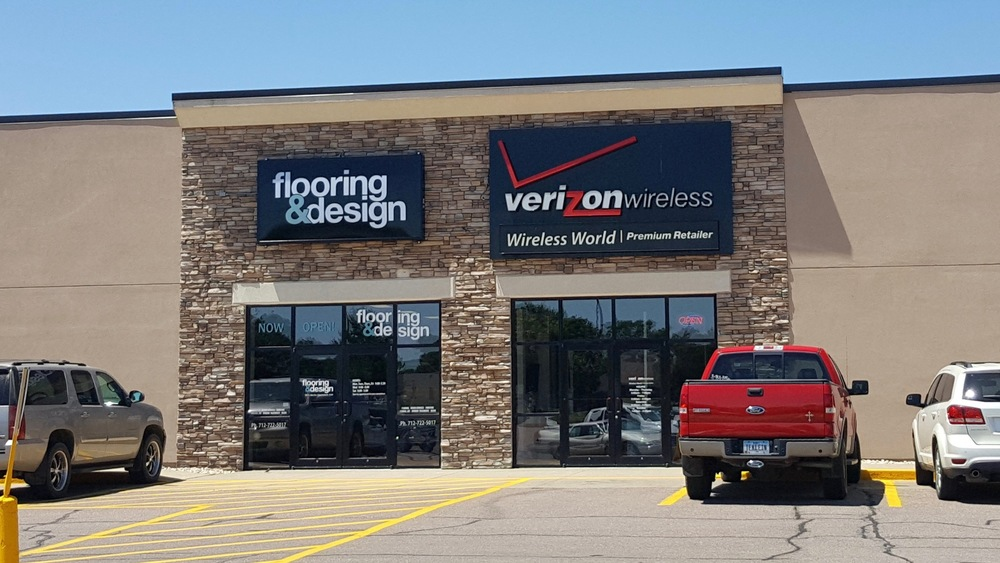 "Our location in Sioux Center located next to Verizon Wireless and near Hy-Vee and Culvers - This location is also often referred to as the ""old Walmart""."