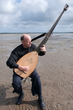 PG_Theorbo_on_mudflat_20140414_8206.jpg