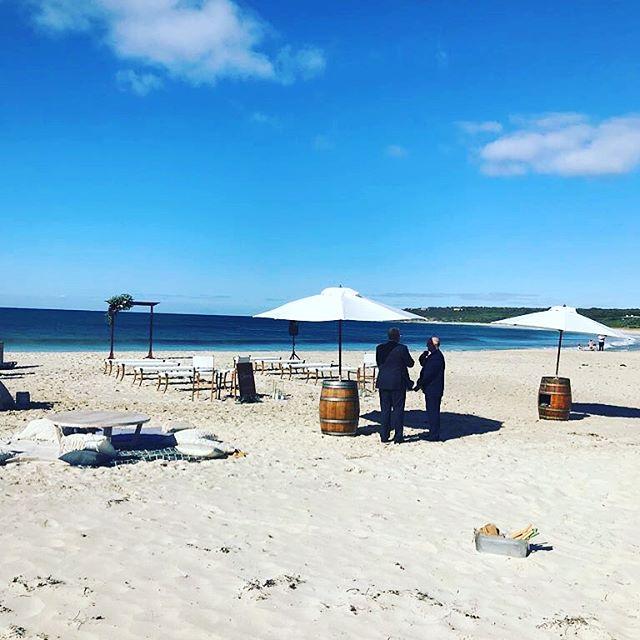 Shade and beers #bestwedding #marrydownsouth #bunkerbay #barrelsandbrellas #love