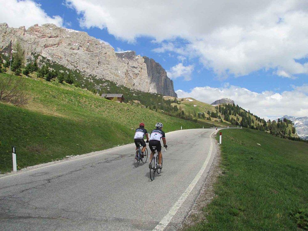 dolomites_riders_1500_opt.jpg