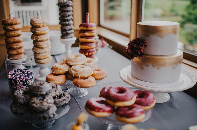 Donut tell me that dessert isn't one of your favourite times of day! #donut #dessert #weddingcake #weddings #yummm