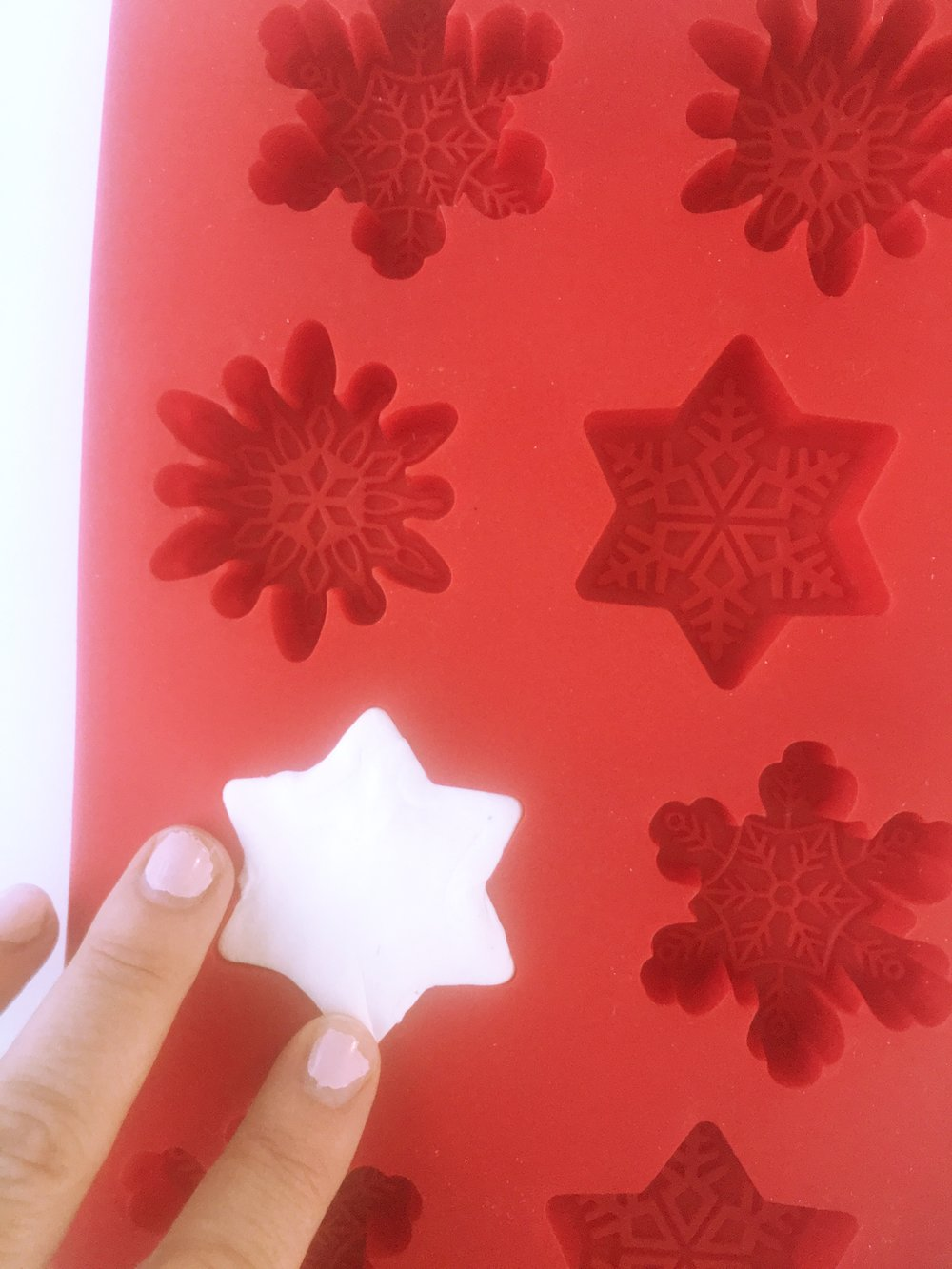 Snowflake ornament DIY4.jpg
