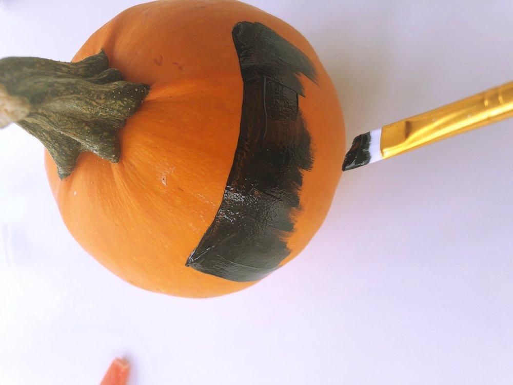 Chalkboard Paint Pumpkin 3.jpg