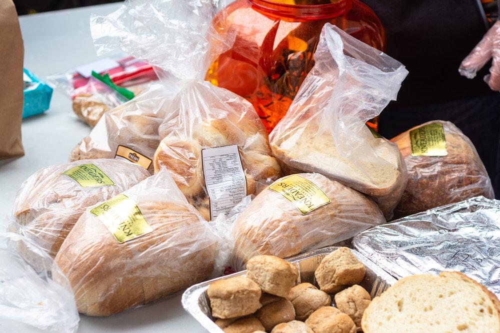 Kneaders bakery provides bread