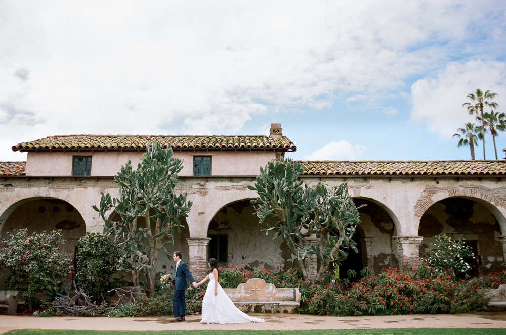 Elegant southern california desert spanish mission wedding