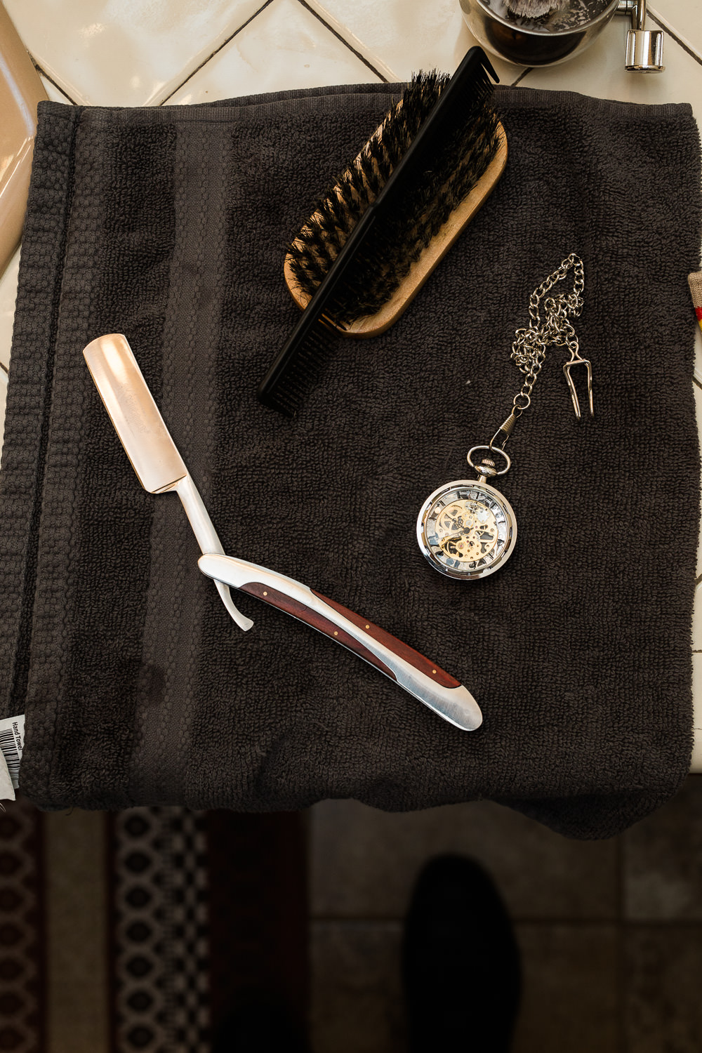 straight razor groom getting ready