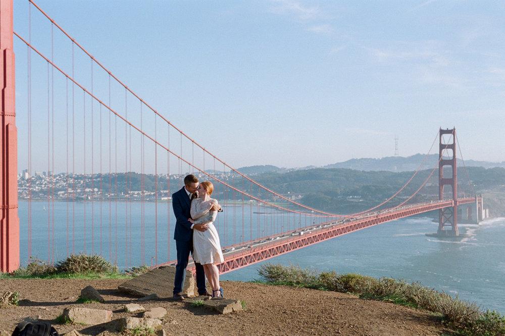 Golden Gate Bridge viewpoint film wedding photography