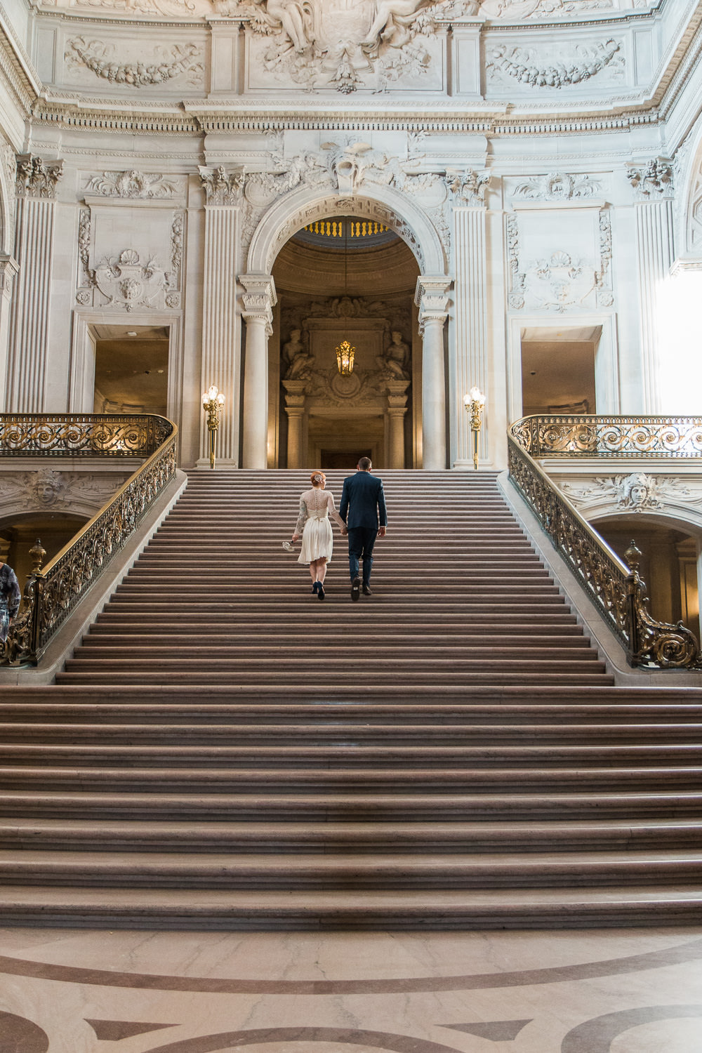San Francisco City Hall Stairs wedding pictures
