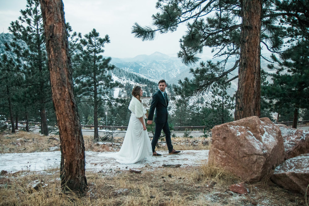Colorado Rocky Mountain winter wedding inspiration
