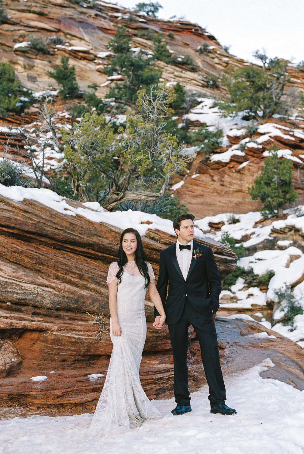 Husband and wife team travelling wedding photographers Zion elopement