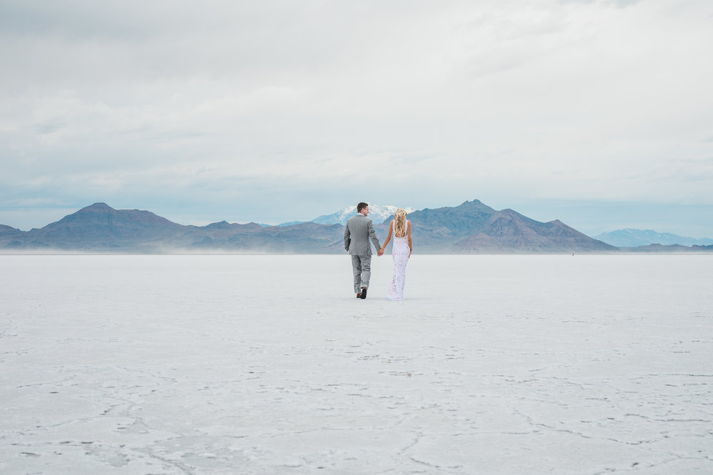Bonneville Salt Flats elopement Kyle Loves Tori Photography
