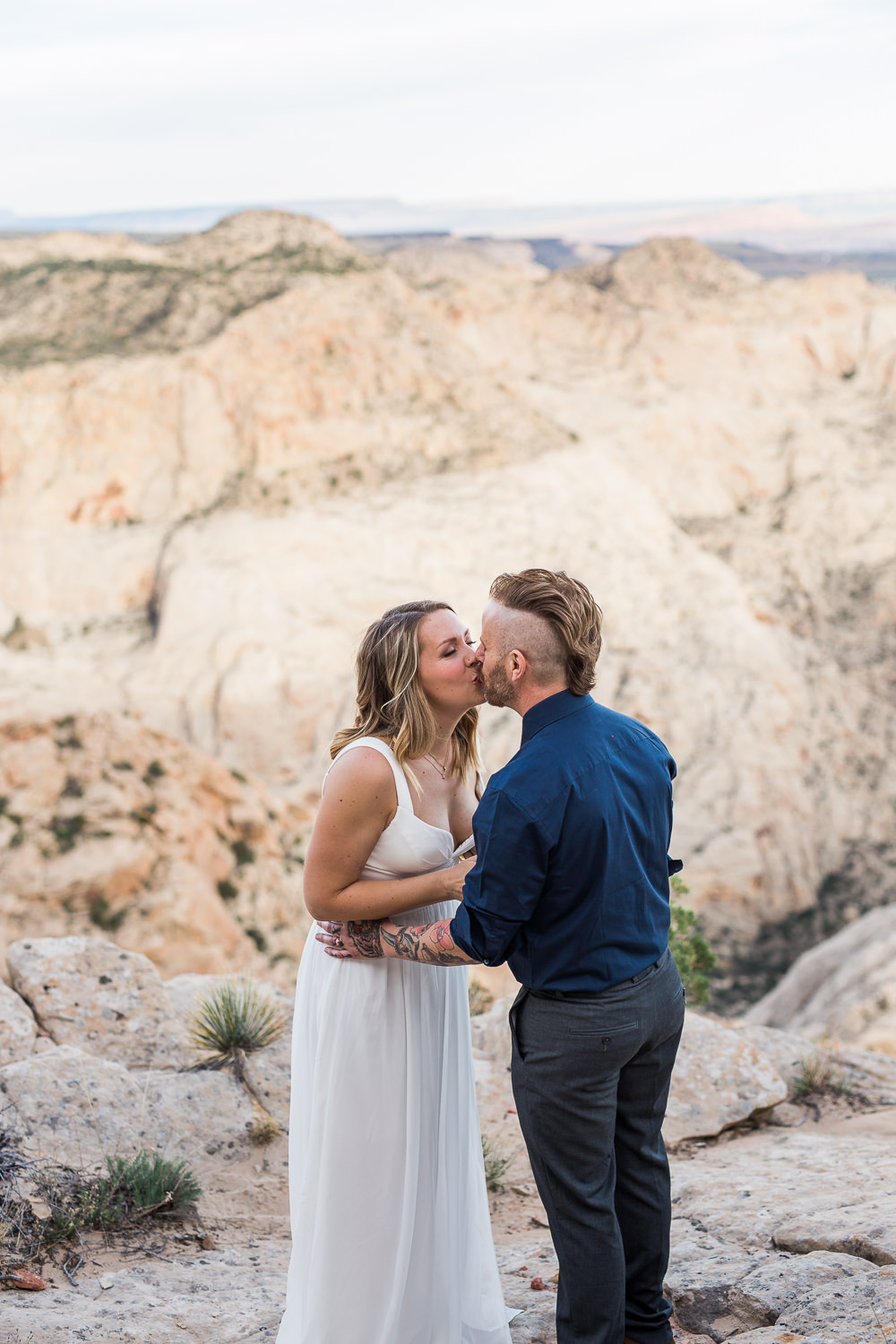 Couple renews their vows on an epic cliffside view