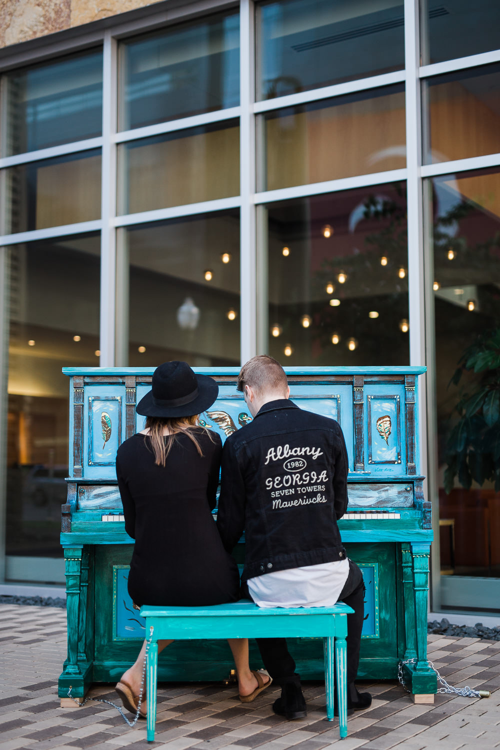 Street piano engagement pictures