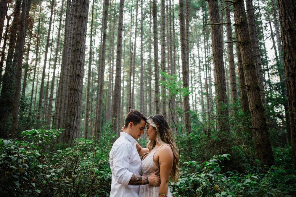 Beautiful couple elope at Bainbridge Island