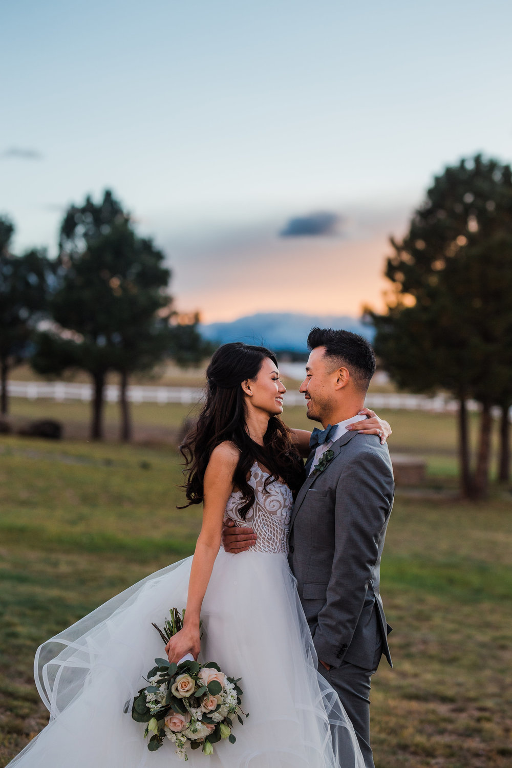 Pikes Peak backdrop wedding photos Colorado Springs