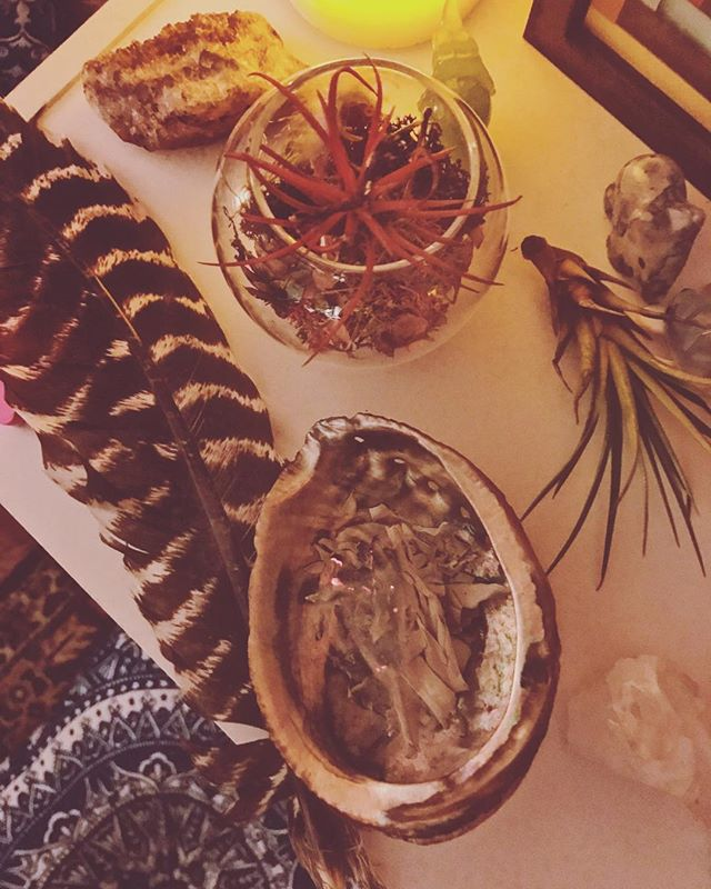 Cleansing 🧘🏽‍♀️✨🕊 . . . #sage #spirit #highvibe #peaceful #mindful #sacredspace #love #openheart
