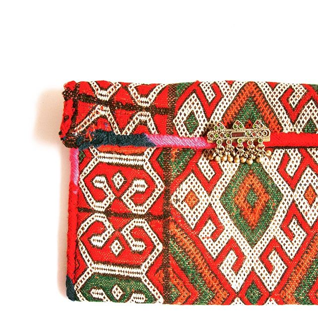 N E W 🌿  vintage textiles handmade in Morocco ... one of a kind Berber Clutch bags and Pillowcases 👉🏽 VERY limited quantities, please DM us to pre-order before they are gone ✋🏽🤚🏽 made by artisans in rural Morocco ⋆ www.tuluandblue.com