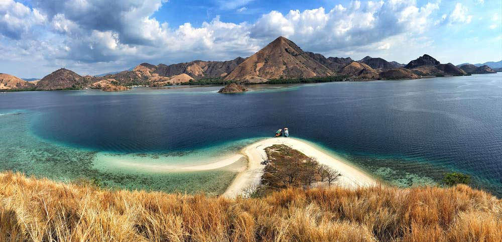 One of the most photogenic places in Flores - Kelor Island.