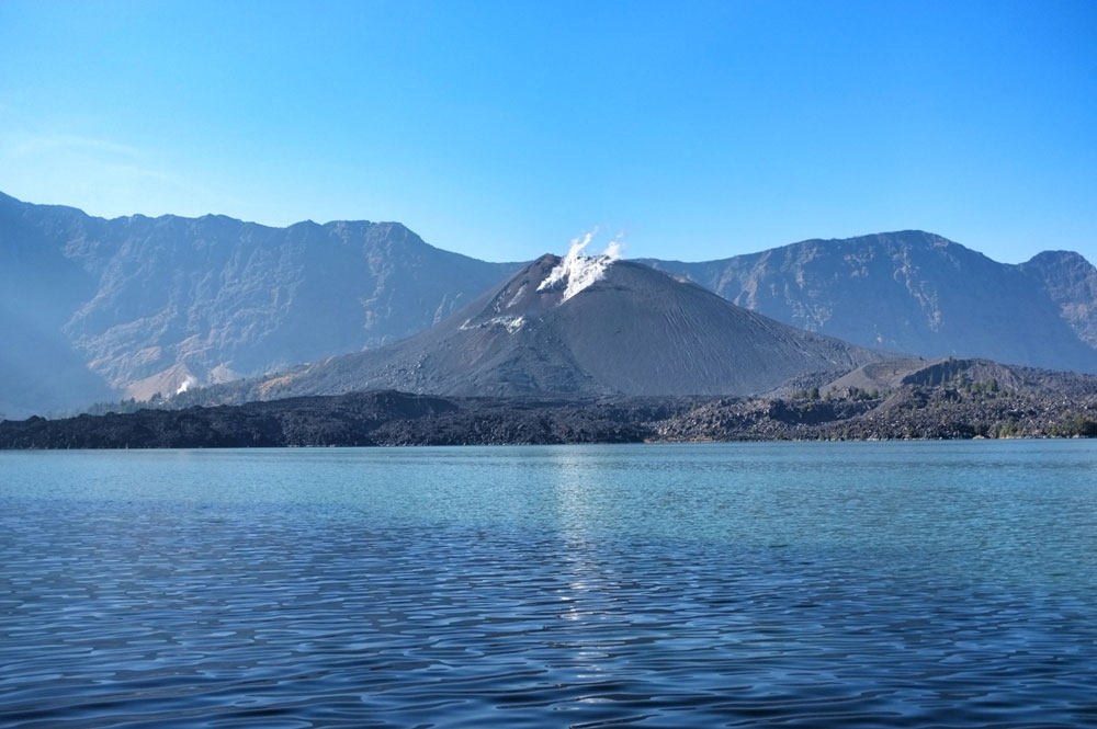 Mount Baru Jari and Segara Anak Lake.