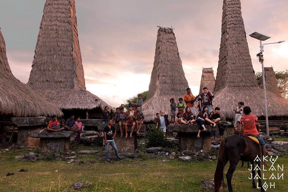 Asoka-Remadja---Desa-Ratenggaro-Sumba-Barat-6.jpg