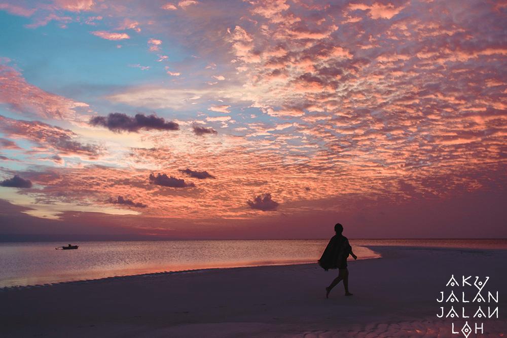 Pantai-Walakiri-Sunset-Sumba-Timur-4.jpg