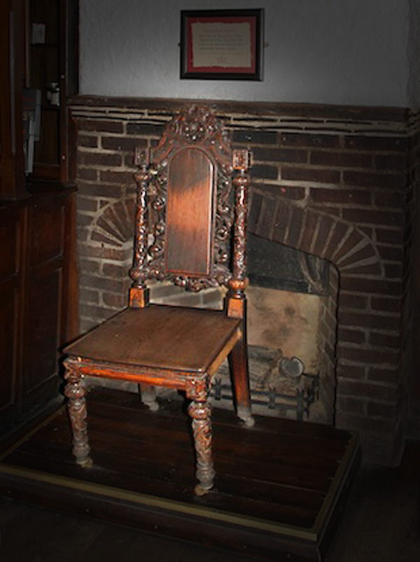 Look around at all the historic elements within the pub. We've got loads of different things all around the place, from mysterious chairs that bring on pregnancy to haunted snugs that have a mind of their own. Join us if you dare!