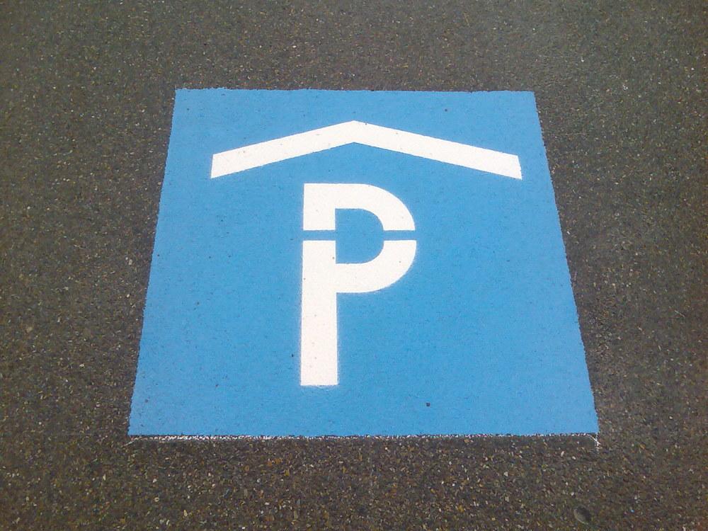 Parkhaussignet detail.jpg