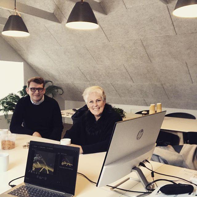 Hvis I vil vide noget om Enorm kan I nu også spørge Troels Lund Poulsen og Ulla Tørnæs. Tak for besøget!