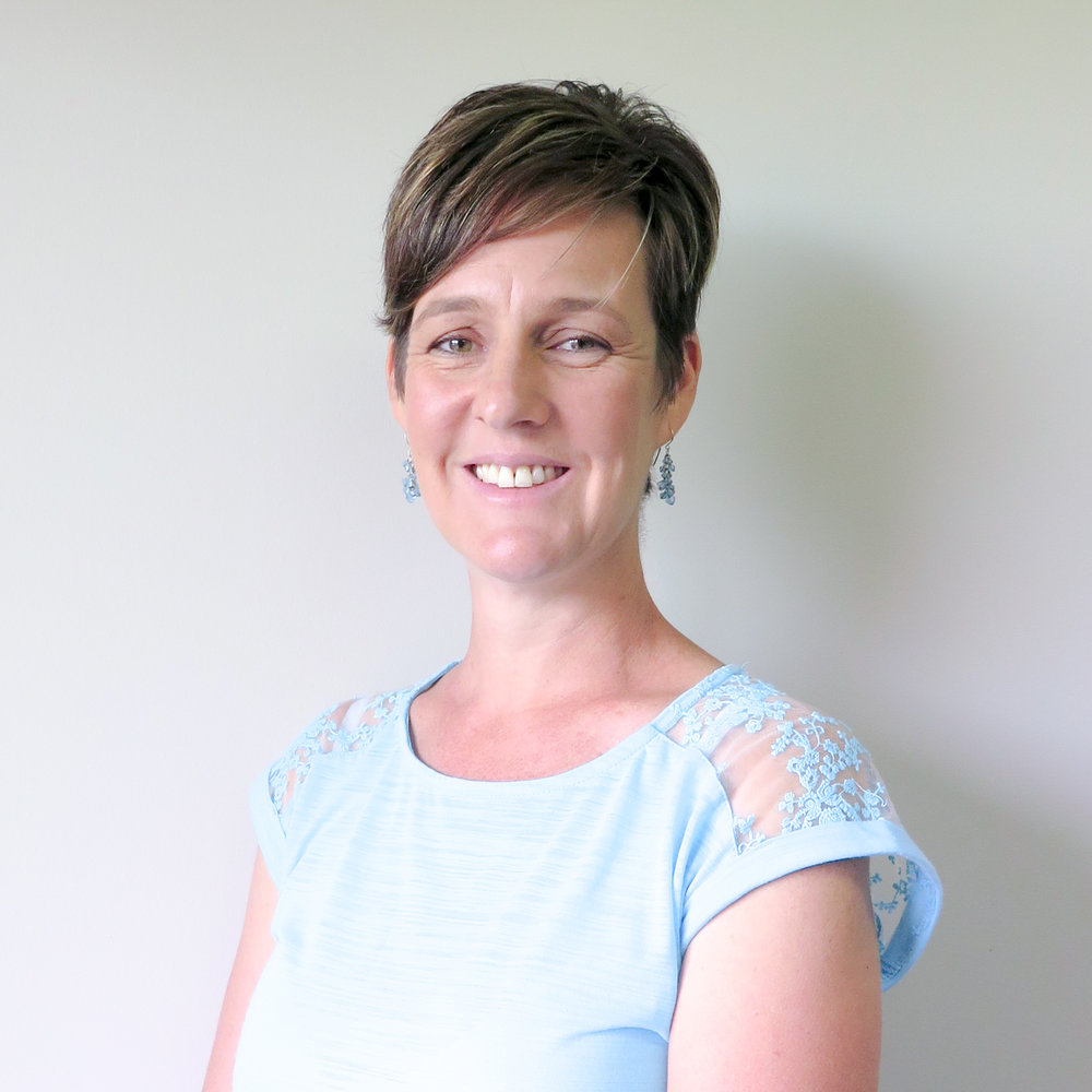 Shireen Kotze - Shireen enjoys working with families and children who struggle to learn to read. She has been a teacher for 16 years, working with students from Prep to Year 4. Shireen is passionate about working one on one with students, seeing the difference in the attitude when they become successful readers.