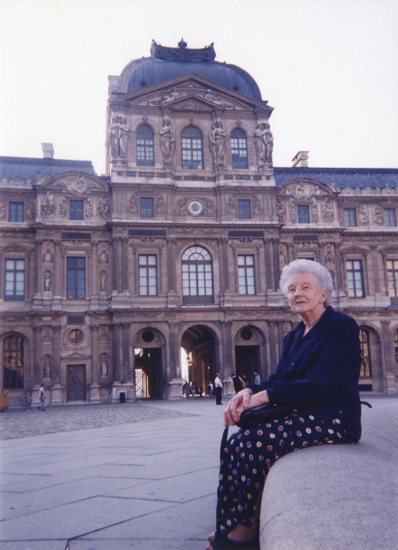 Nan Louvre.jpg