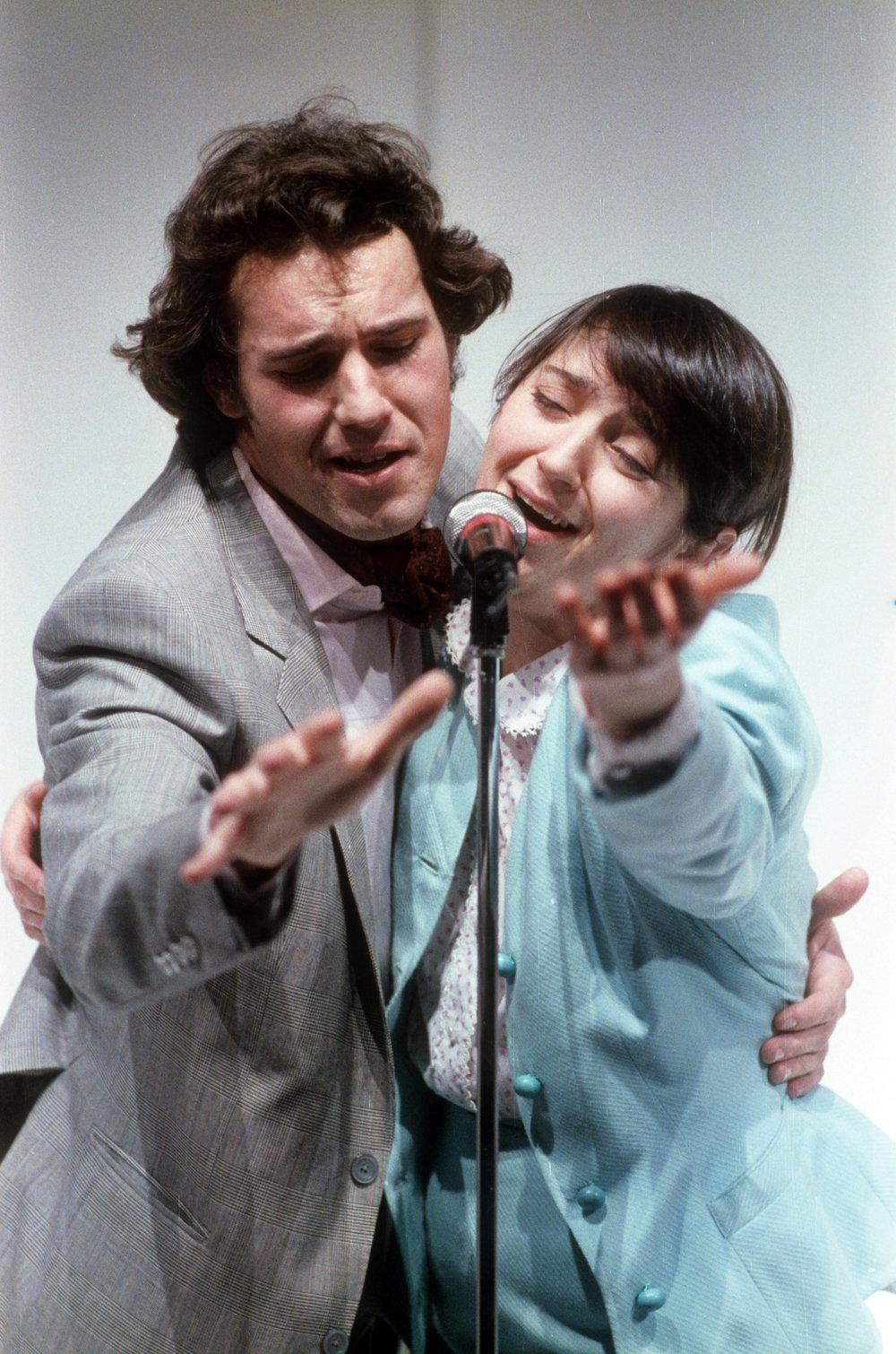 """Nel ruolo di Oddy Guarda in """"Kessy Canta"""", con Maria Paiato - Piccolo Eliseo 1989 - regia C.Carafoli"""