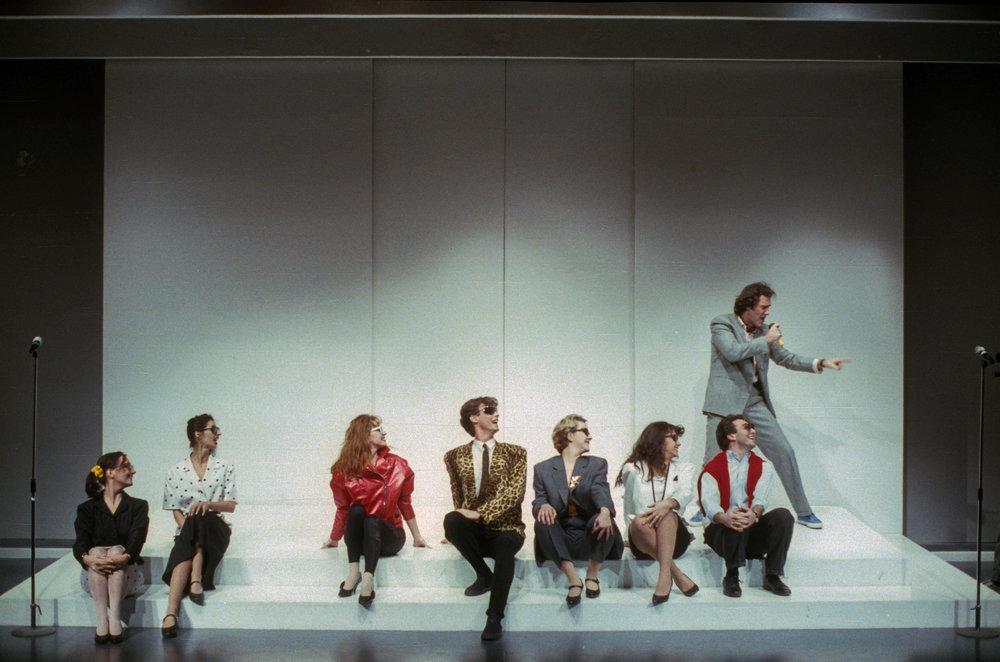 Kessy Canta - 1989 - Regia C. Carafoli - da sinistra:  Franca De Angelis, Antonella Voce, Mirta Pepe, Daniele Giarratana, Lucilla Lupaioli, Angela Mezzanotti, Buno Maccallini e Marco Vallarino