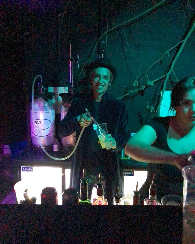 An epic Halloween in London⚡️😈⚡️ #bloodyrave #elyscocktail #cocktailontap #guncocktail #thinkely #mixology #barman #cocktails