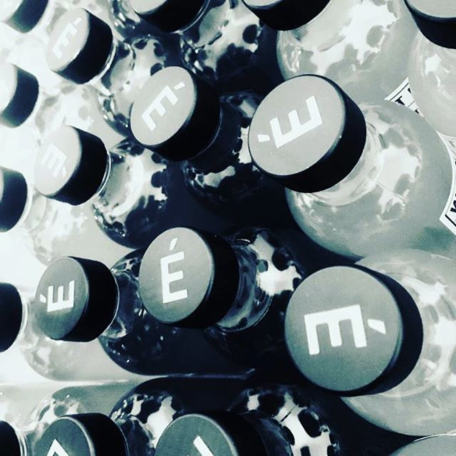 Last Run before Xmas🤶  Don't forget to ordrer your bottles  @lagrandeepicerie @nathalie_mayfair @la_new_cave @lepetitcaviste and online www.ely.bar 🍸🍸🍸