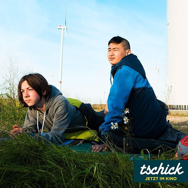 Wir sehen es schon, da hinten, ganz klein am Horizont: Das Wochenende! #tschick #tschickfilm - jetzt im #Kino!