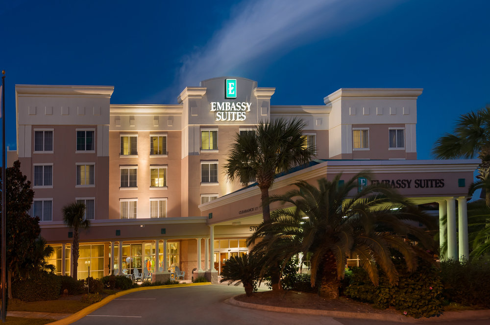 Hotel Entrance Night (2).jpg