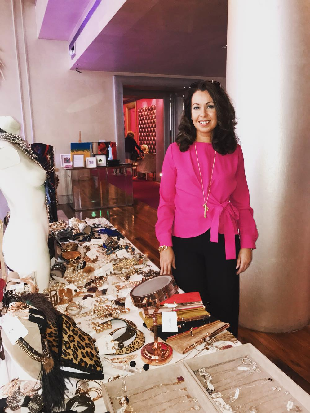 Showcasing her stunning collection of jewellery and accessory is the beautiful Denise from Jewelbox . This lady brings lots of Sparkle to the g. Happy belated birthday to you Denise x   #TomorrowForTomas  (Photo:  Mini Media )