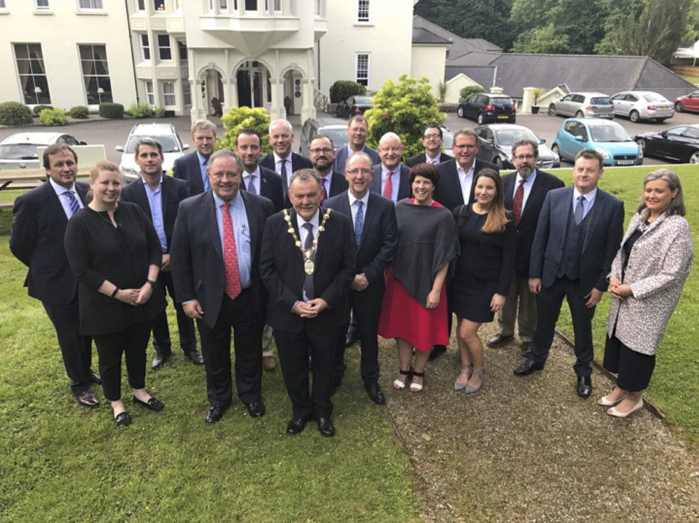 Above: The delegation and Derry-Londonderry officials in front of the Beech Hill Country House