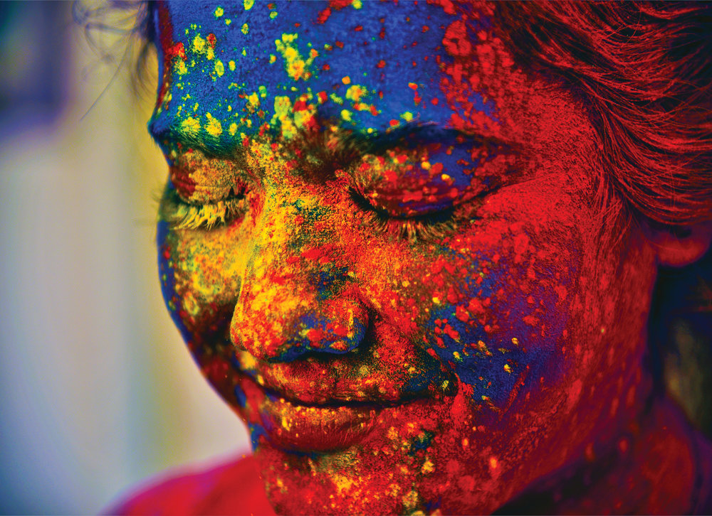 Image of a girl during the Holi festival / via www.HelloGiggles.com